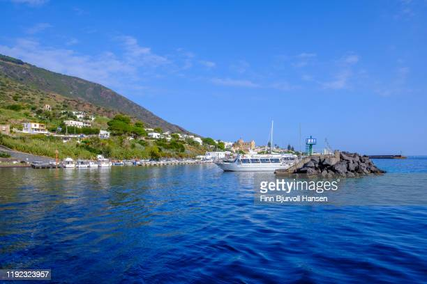 salina, italy - october 11, 2019 - the guestharbour in santa marina on the aeolian island of salina - finn bjurvoll stock pictures, royalty-free photos & images