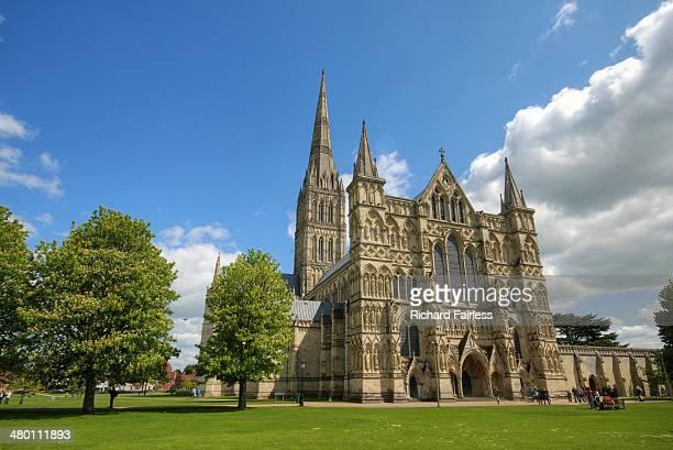 salisbury cathedral - サリスベリー ストックフォトと画像
