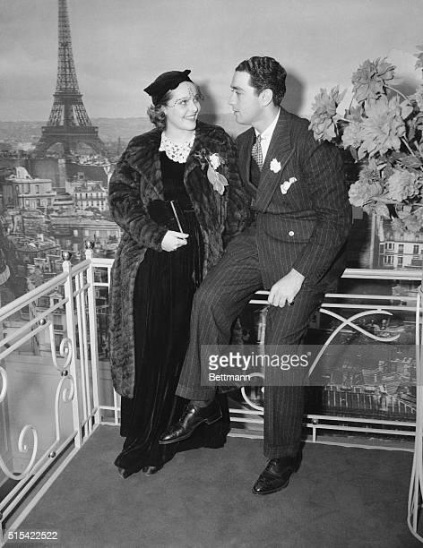 Sally Blane and Pat DeCicco at the Trocadero