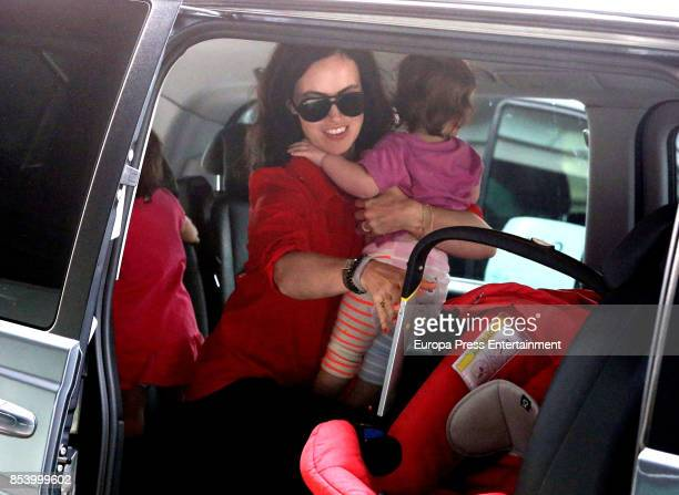 Sally Humphreys and her baby twin daughters on September 25 2017 in Barcelona Spain