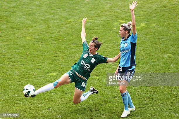 Sally Shipard of United stretches for the ball under pressure from Alanna Kennedy of Sydney FC goal during the round seven W-League match between...