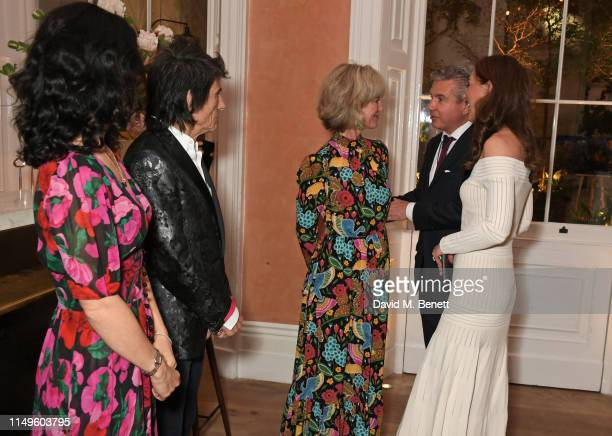 Sally Wood, Ronnie Wood, Nicola Formby, Hugo de Ferranti and Catherine, Duchess of Cambridge attend a dinner hosted by Skye Gyngell and the Trustees...
