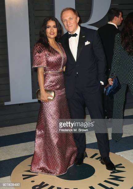 Salma Hayek and FrancoisHenri Pinault attend the 2018 Vanity Fair Oscar Party hosted by Radhika Jones at Wallis Annenberg Center for the Performing...