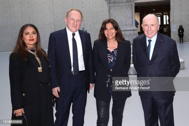 "Salma Hayek, CEO of Kering Group, François-Henri Pinault, Mayor of Paris Anne Hidalgo and François Pinault attend the ""Bourse de Commerce - Pinault..."