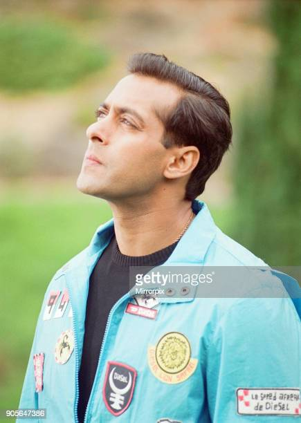 Salman Khan actor filming scenes for new film Mujhse Shaadi Karogi on location at Dyffryn Gardens Wales 6th August 2001