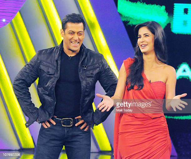 Salman Khan and Katrina Kaif on the sets of Bigg Boss Season 4 Katrina Kaif and Farah Khan were there to promote their upcoming film Tees Maar Khan