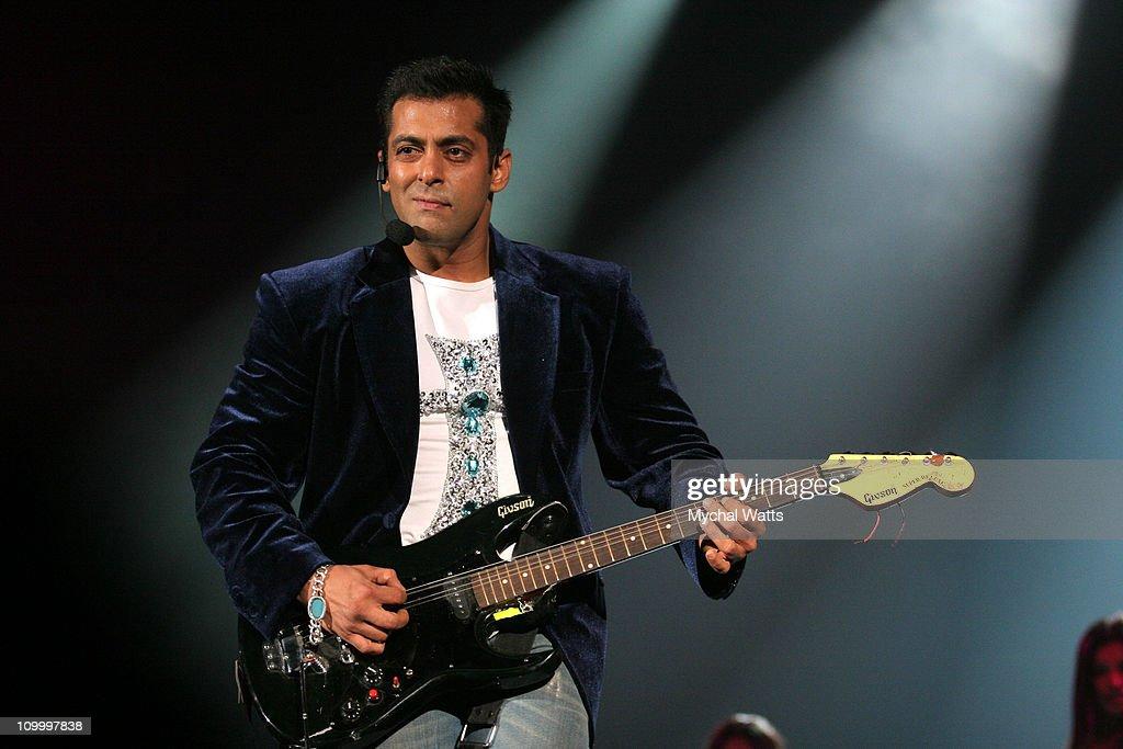 Bollywood Rockstars at Nassau Coliseium - May  22, 2006