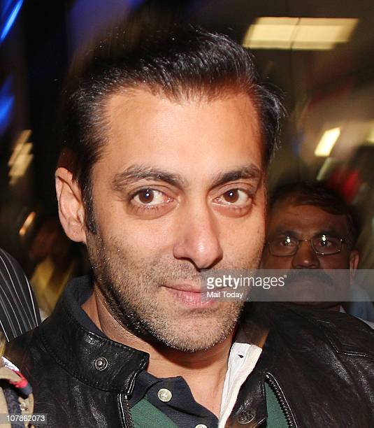 Salman Khan spotted at Mumbai Airport on his return after the New Year celebrations in Dubai