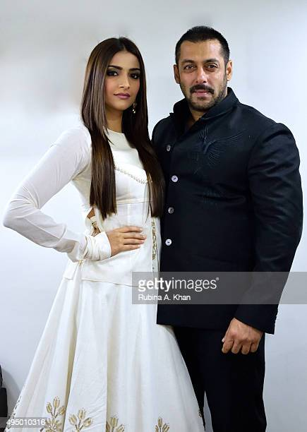 Salman Khan's promotes his Diwali release, Prem Ratan Dhan Payo, that hits theatres on November 12, 2015 with co-star Sonam Kapoor on October 30,...
