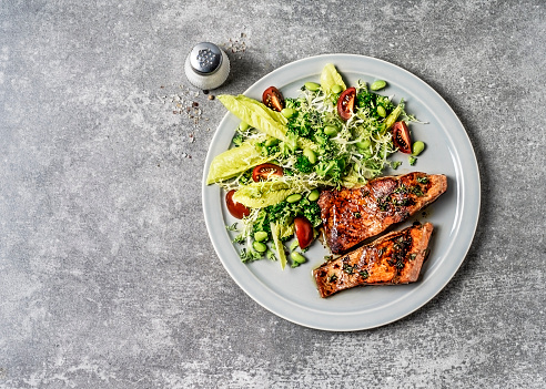 Salmon with fresh salad - gettyimageskorea