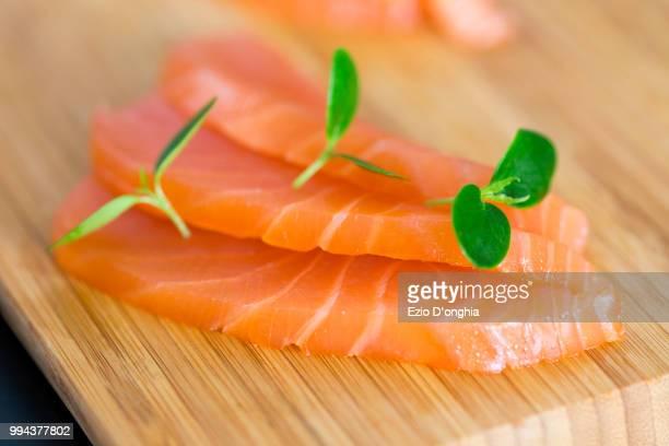 salmone - sashimi fotografías e imágenes de stock