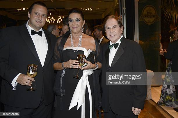 Salomao and Beth Szafir and Lazaro Medeiros attends the 5th Annual amfAR Inspiration Gala at the home of Dinho Diniz on April 10 2015 in Sao Paulo...
