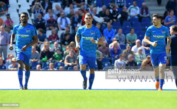 Salomon Kalou Karim Rekik and Mathew Leckie of Hertha BSC before the Bundesliga game between Hannover 96 and Hertha BSC at HDI Arena on May 5 2018 in...