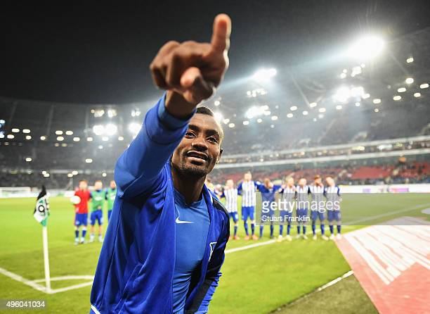Salomon Kalou of Berlin celebrates at the end of the Bundesliga match between Hannover 96 and Hertha BSC at HDIArena on November 6 2015 in Hanover...