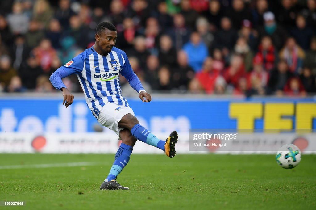 Salomon Kalou of Berlin scores his team's first goal by penalty during the Bundesliga match between Sport-Club Freiburg and Hertha BSC at Schwarzwald-Stadion on October 22, 2017 in Freiburg im Breisgau, Germany.
