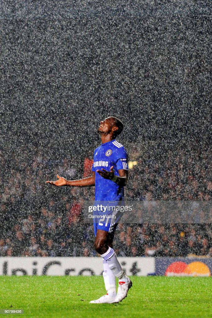 Salomon Kalou of Chelsea reacts after a missed chance on goal during the UEFA Champions League Group D match between Chelsea and FC Porto at Stamford Bridge on September 15, 2009 in London, England.
