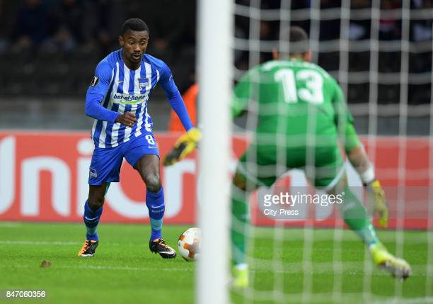 Salomon Kalou of Hertha BSC and Iago Herrerin of Athletic Bilbao during the game between Hertha BSC and Athletic Bilbao on september 14 2017 in...
