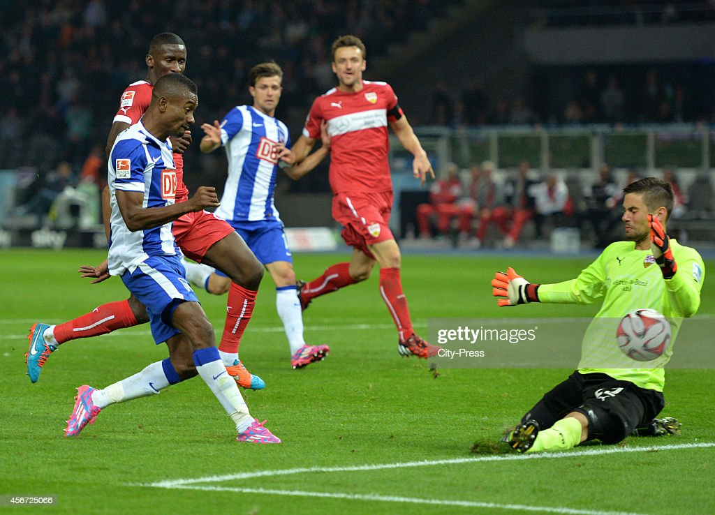 Salomon Kalou of Hertha BSC and Thorsten Kirschbaum of VfB Stuttgart during the game between Hertha BSC and VfB Stuttgart on october 3, 2014 in Berlin, Germany.