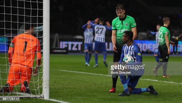 Salomon Kalou of Hertha BSC reacts after scoring his team's first goal against goalkeeper Philipp Tschauner of Hannover 96 during the Bundesliga...