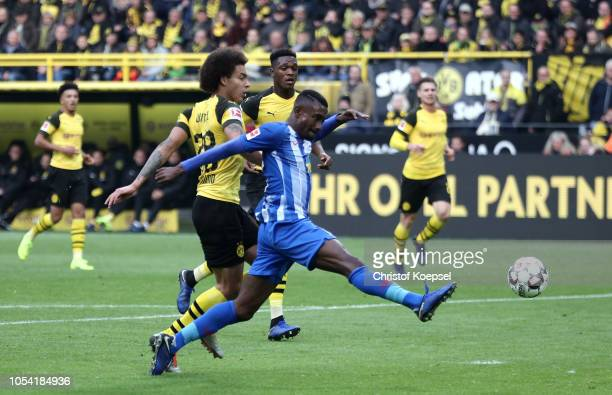 Salomon Kalou of Hertha BSC scores his team's first goal during the Bundesliga match between Borussia Dortmund and Hertha BSC at Signal Iduna Park on...