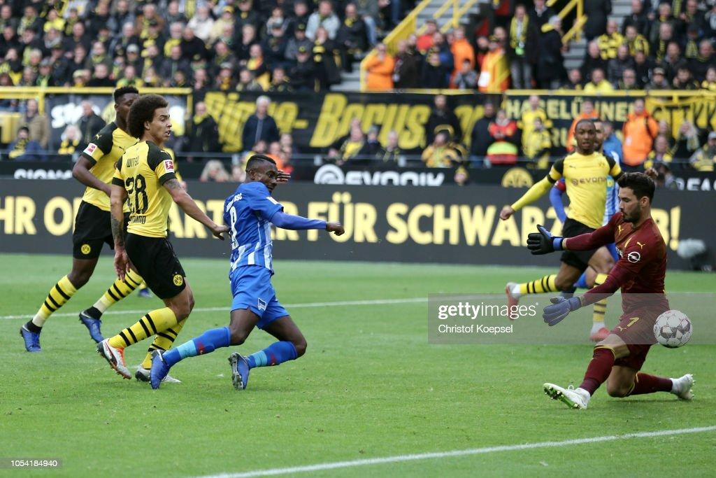 Borussia Dortmund v Hertha BSC - Bundesliga : Nachrichtenfoto
