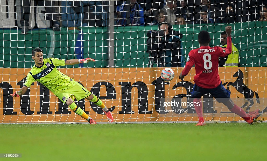2 against André Weis of FSV Frankfurt during the game between FSV Frankfurt and Hertha BSC on october 27, 2015 in Frankfurt on Main, Germany.