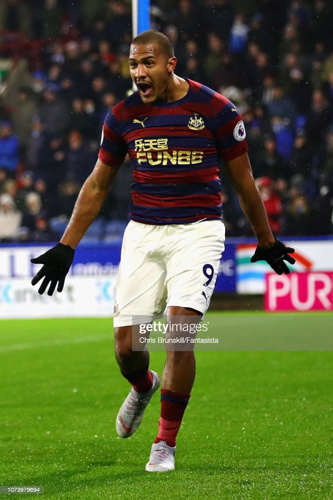 Huddersfield Town v Newcastle United - Premier League : ニュース写真