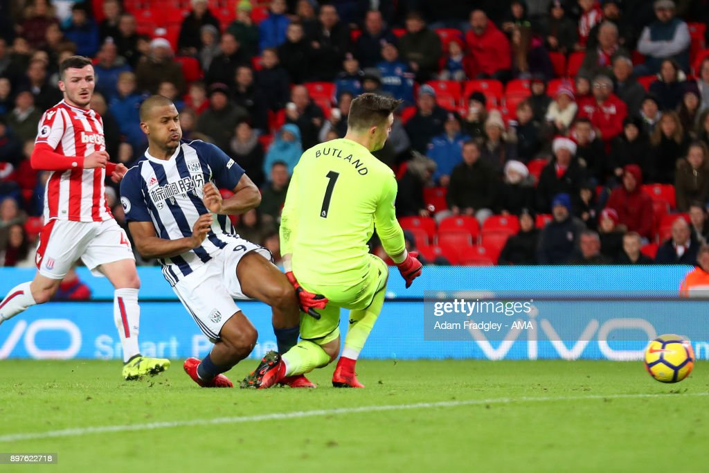 Salomon Rondon of West Bromwich Albion scores a goal to make it 2-1 during the Premier League match between Stoke City and West Bromwich Albion at Bet365 Stadium on December 23, 2017 in Stoke on Trent, England.