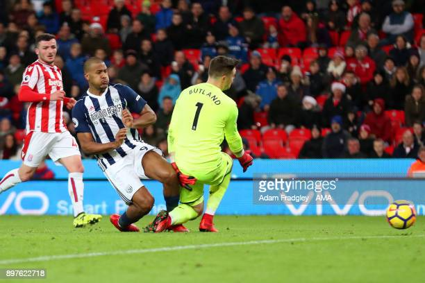 Salomon Rondon of West Bromwich Albion scores a goal to make it 21 during the Premier League match between Stoke City and West Bromwich Albion at...
