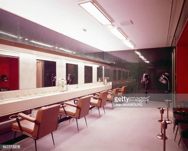 Salon de coiffure à l'intérieur du paquebot France