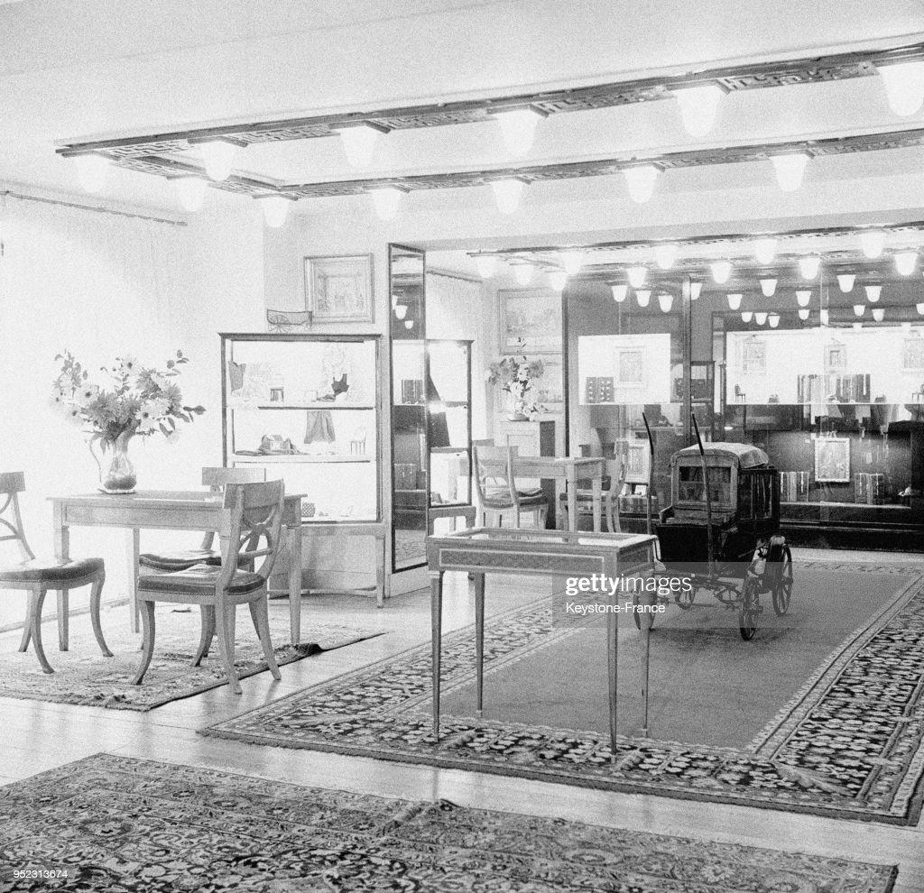 Salon De Haute Couture Chez Hermes Circa 1940 A Paris