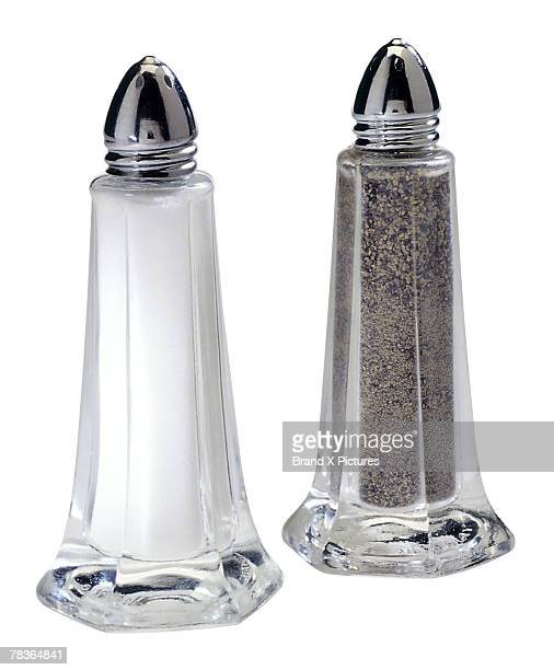 salt and pepper shakers - salt and pepper shakers stock pictures, royalty-free photos & images