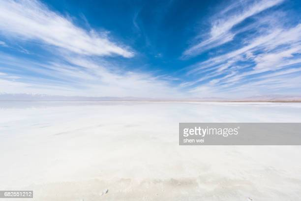 salt flat in qinghai province - salt flat stock pictures, royalty-free photos & images