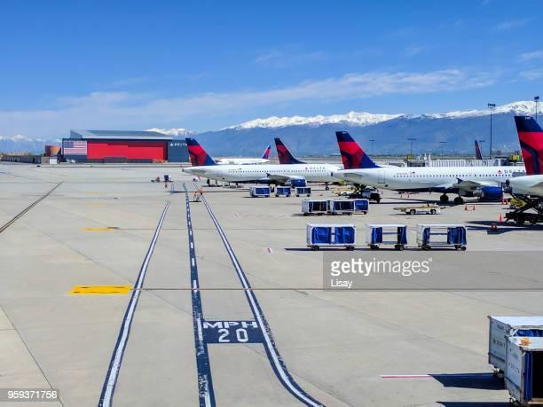 aéroport de salt lake city - delta air lines photos et images de collection
