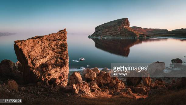 salt lake in iran - lake urmia foto e immagini stock