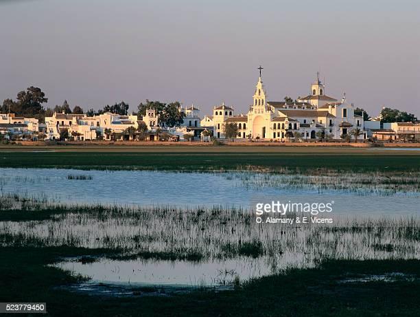 salt marshes outside spanish village - alamany fotografías e imágenes de stock