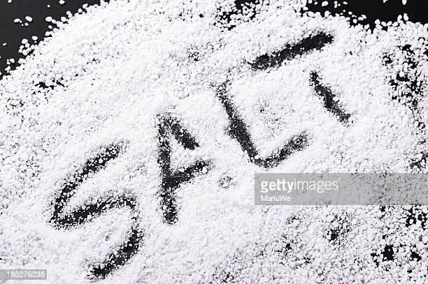 Salz auf Schwarz