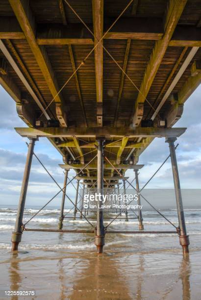 saltburn, north yorkshire, england, uk. 21 august 2006. saltburn pier and coast. - saltburn stock pictures, royalty-free photos & images