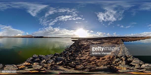 saltminer in lanzarote island 360º - vr 360 fotografías e imágenes de stock