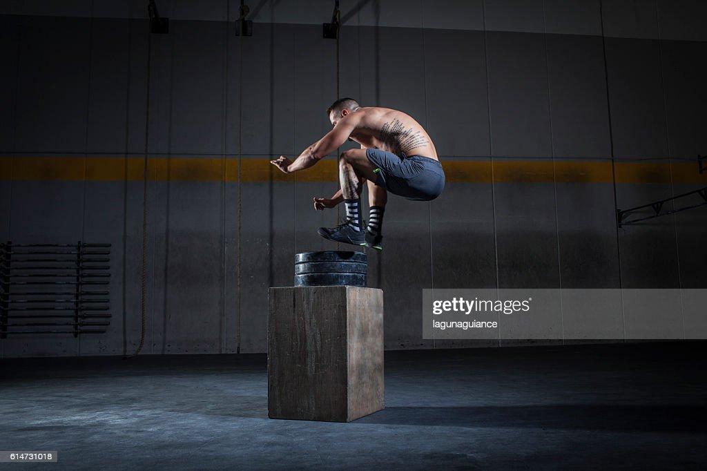 salto a la caja : Stock Photo