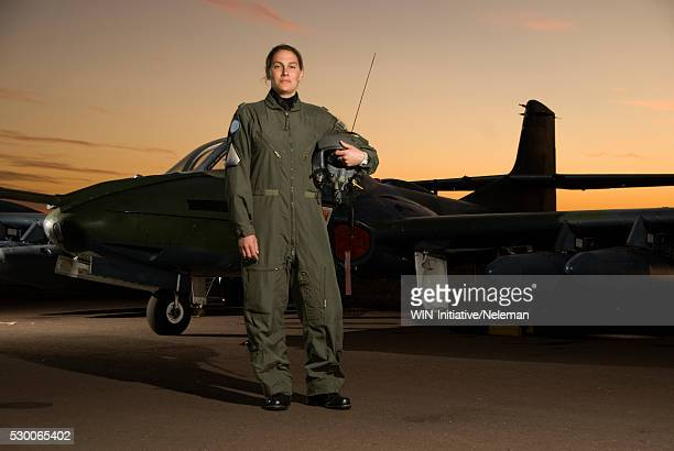 Salto, Pilot standing in front of fighter plane