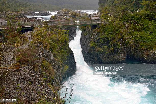 saltos del petrohue - petrohue river stock photos and pictures