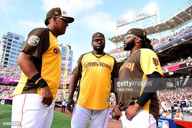 Salvador Perez of the Kansas City Royals David Ortiz of the Boston Red Sox and Johnny Cueto of the San Francisco Giants talk during the TMobile Home...