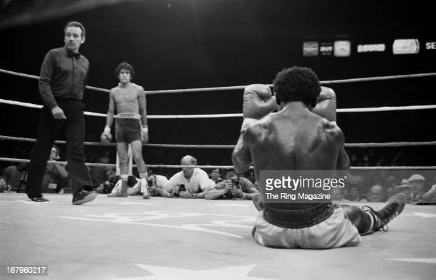 Salvador Sanchez looks on as Azumah Nelson sits on the canvas during the fight at Madison Square Garden on July 21 1982 in New York New York Salvador...