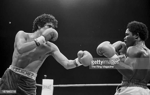 Salvador Sanchez throws a punch against Azumah Nelson during the fight at Madison Square Garden on July 21 1982 in New York New York Salvador Sanchez...