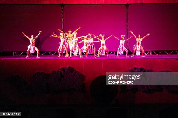 Salvadoran actors perform during the opening ceremony of the XIX Central American and Caribbean Games 23 November 2002 in San Salvador AFP...