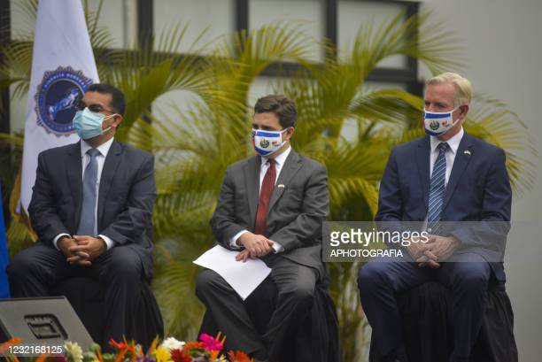 Salvadoran Attorney General Raul Melara, Special Envoy Ricardo Zuniga and US charge d'affaires Brendan O'Brien sit during a press conference as part...