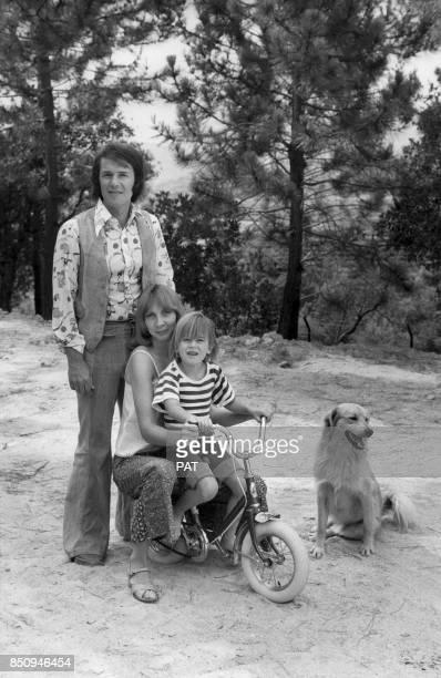 Salvatore Adamo avec son épouse Nicole et leur fils Anthony le 23 juillet 1974