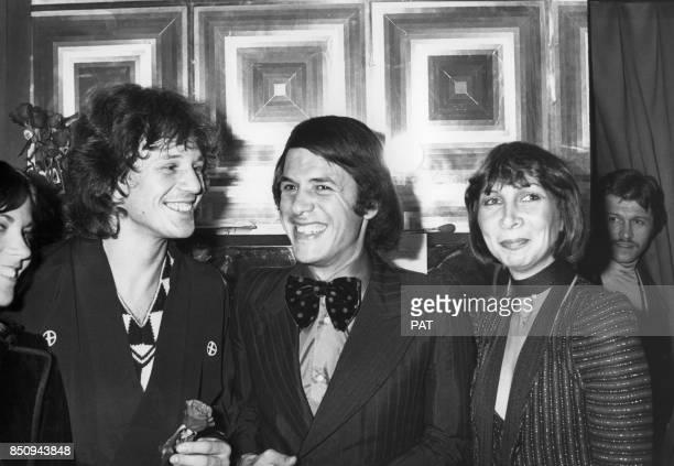Salvatore Adamo et son épouse Nicole dans la loge Gérard Lenorman à l'Olympia le 26 septembre 1975 à Paris France