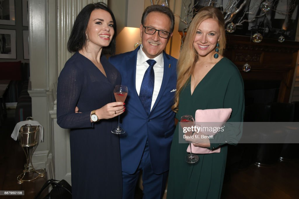Salvatore Calabrese (C) attends a private view after party for new Royal Academy Of Arts exhibition 'From Life' hosted by artist Jonathan Yeo at Brown's Hotel on December 7, 2017 in London, England.